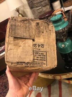 Beautiful Vintage Antique 1947 Coleman Lantern Canadian seafoam green 242B Withbox
