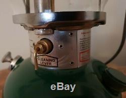 Coleman Lantern Model 200a700 4/82 Green