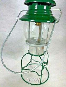 NOS vintage Coleman model 5101 green single mantle propane lantern & clean