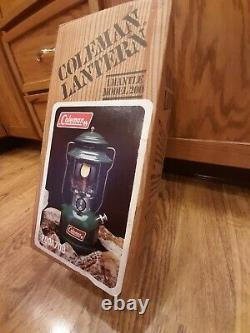 New In Box Vintage Coleman Single Mantle Lantern Green 200A 200A700 Dated 1980