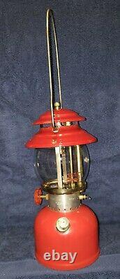 Very Nice Bright Red Coleman 200a Single Mantle Lantern 2/73