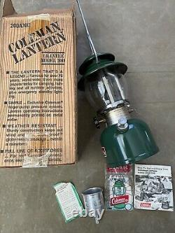 Vintage 12/81 Coleman Single Lantern 200A700 Model 200 Box / Instructions