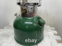 Vintage 1982 Coleman Model 200A-700 Single Mantle Lantern