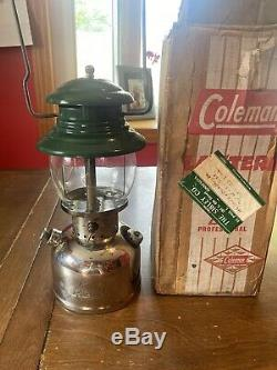 Vintage 1/1961 NEAR PERFECT CONDITION! Coleman Model 202 PROFESSIONAL Lantern