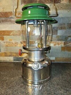 Vintage 2/1972 Canadian Model 639 Coleman Lantern withBox & ENGLAND Globe