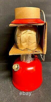 Vintage COLEMAN Lantern Model 200A Marked 66 On Bottom USA
