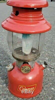 Vintage Coleman 200A Pyrex Red Single Mantle Lantern 12/1956 Uncracked Globe