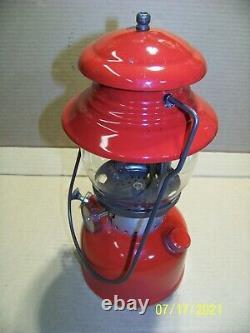 Vintage Coleman 200 Lantern Very Good Condition