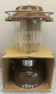 Vintage Coleman 2 Mantle Lantern Model 275 257A710 Never Fired 2/1980