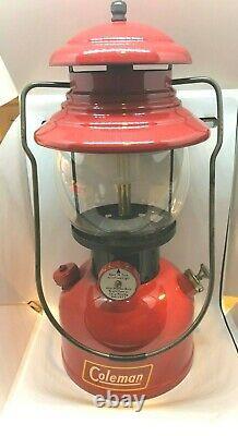 Vintage Coleman Black Band 200A Lantern (03/52) (working)