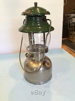 Vintage Coleman Model 202 Professional Gasoline Lantern 10/1962 Nice