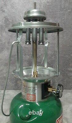Vintage Feb. 1980 Coleman Near Mint in Box Model 220K Lantern Amber Globe USA