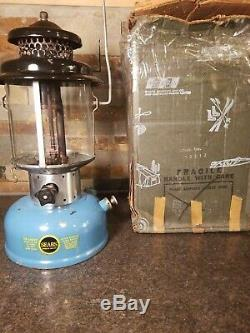 Vintage NICE 1/67 Sears & Roebuck Blue Coleman Lantern with PYREX GLOBE & Box