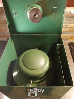 Vintage NICE 2/1972 Model 635 Canadian Coleman Lantern with Metal Case