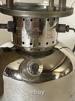Vintage coleman lantern 242C 3-49 withbox