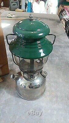 Vtg. Coleman Model 202 The Professional Gas Lantern Sunshine 60 withBox Untested