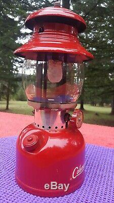 Vtg Coleman Red 200A Single Mantle Lantern NEAR MINT + in BOX w Paperwork 1962